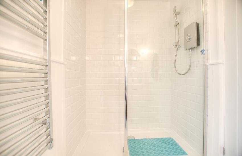 North Wales coastal cottage  - shower room