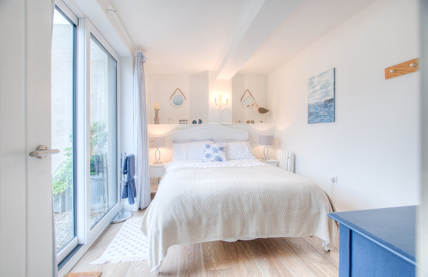 Cottage Morfa Nefyn by the beach Wales  - double ground floor bedroom