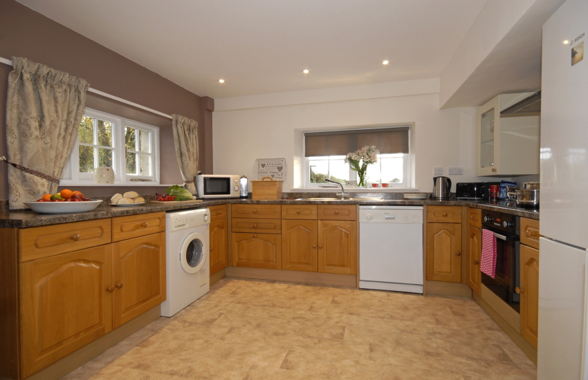 Self catering traditional farmhouse near St Davids - modern fully fitted kitchen