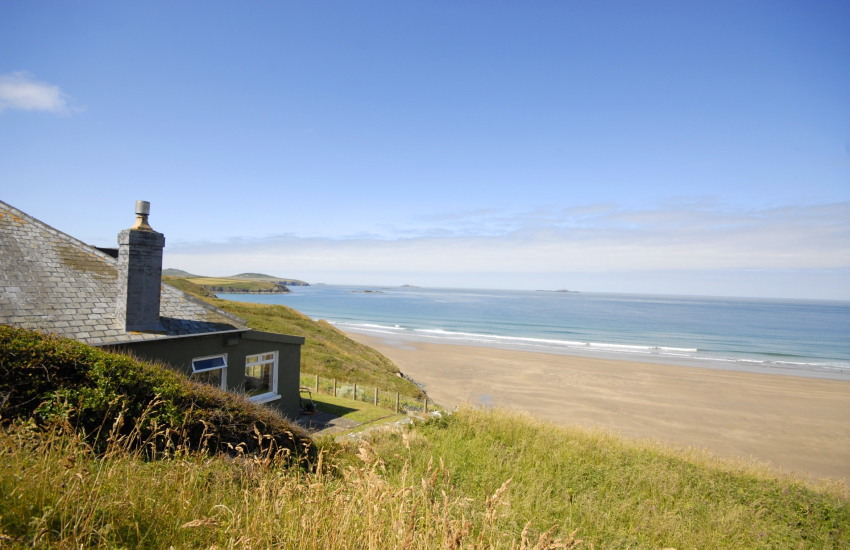 North Pembrokeshire coastal holiday home over looking Whitesands Beach and Ramsey Island