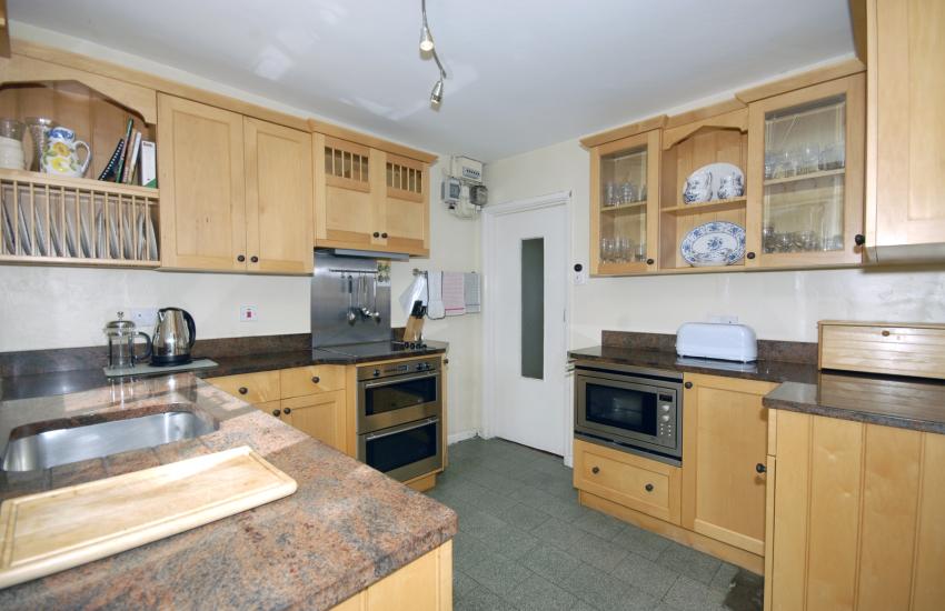 Pembrokeshire self catering riverside cottage - modern kitchen