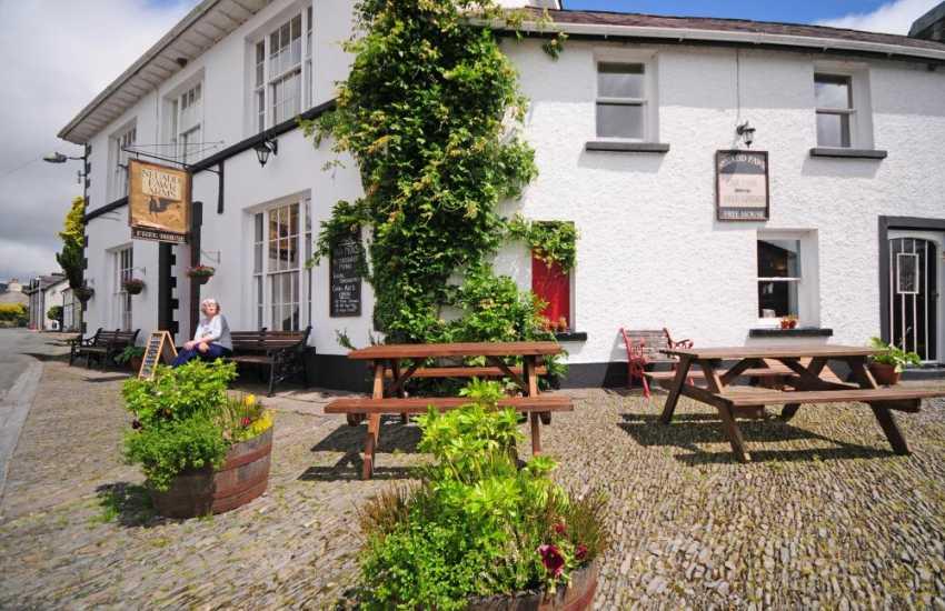 Neuadd Fawr in Cilycwm, great pub and restaurant
