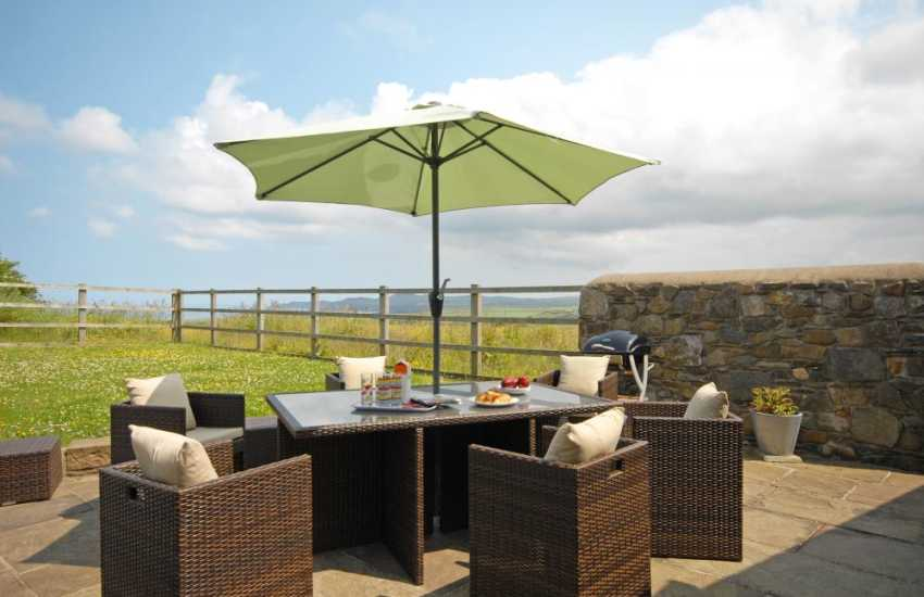Patio with fabulous views  great for al-fresco dining