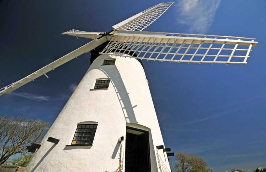 Llynnon Mill, the only working windmill in Wales, is an agricultural museum producing stone ground wholemeal flour using organic wheat. A prehistoric settlement has also been re-created- typical of what existed on Anglesey around 3,000 years ago