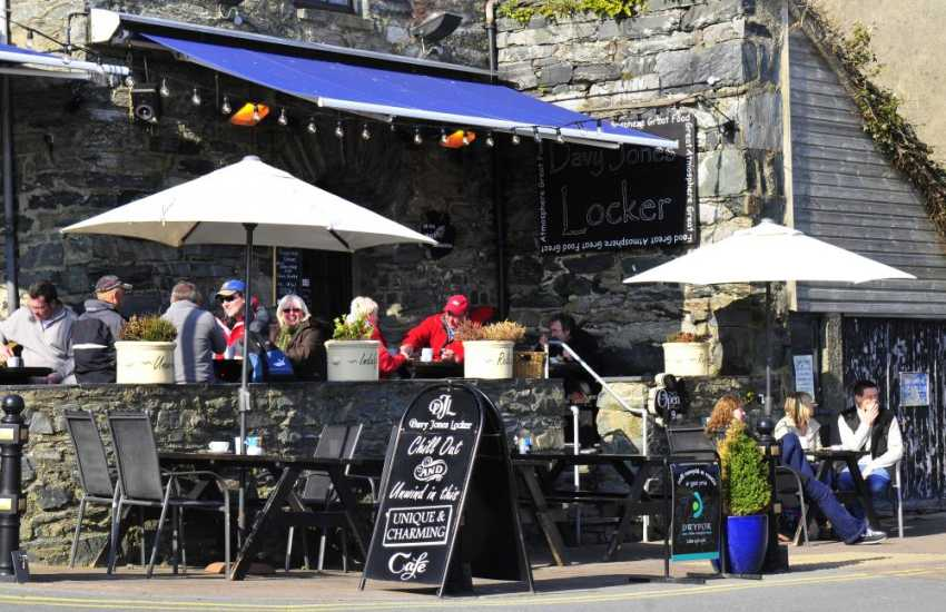 A popular venue on the harbour for locals and visitors to Barmouth