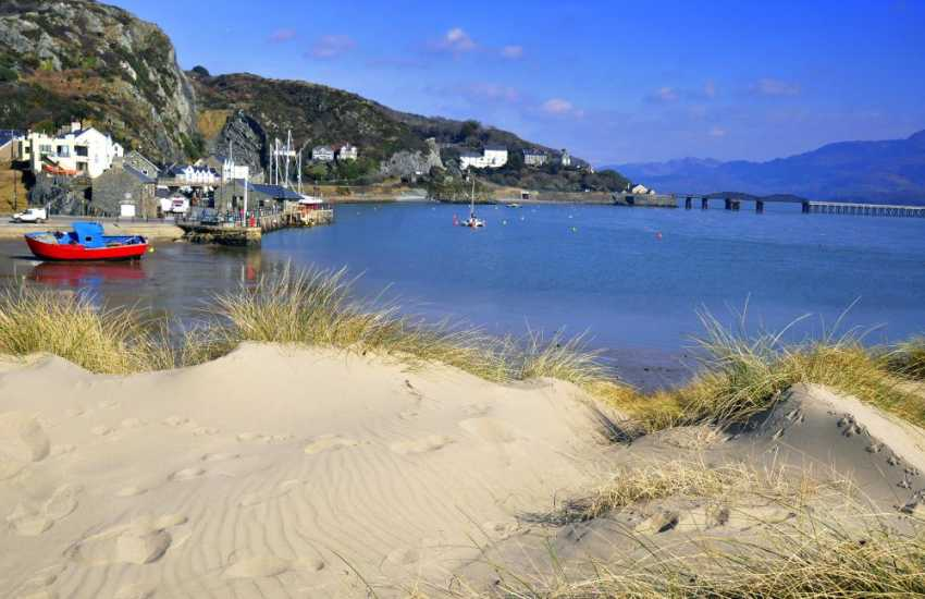 The long sandy beach at Barmouth
