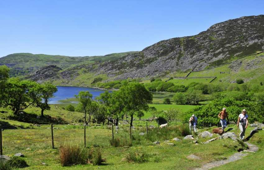 Cwm Bychan, a perfect picnic spot by the lake