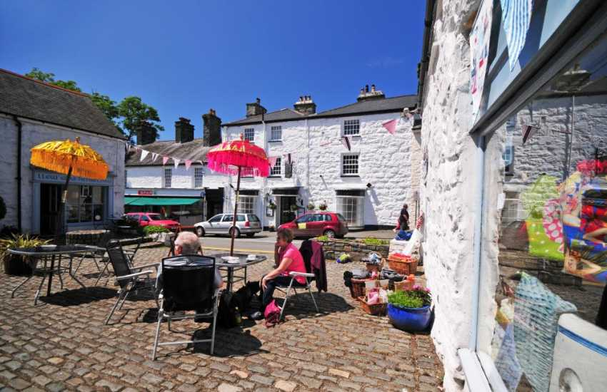 The centre of Harlech has a variety of interesting individual shops