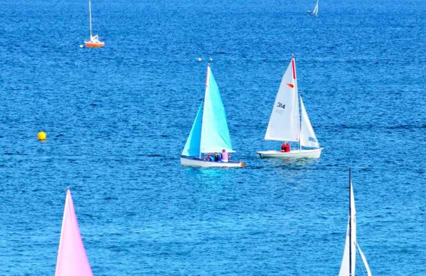 Tranquil sailing along the Abersoch bay