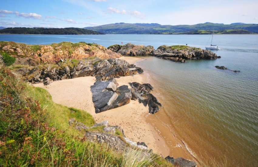 Gorgeous secluded cove around Borth y Gest