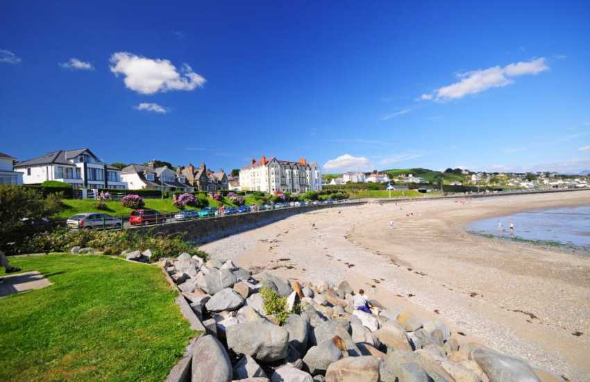 Criccieth sea-front, a great little town with fantastic castle, lovely beach and plenty of restaurants and shops.