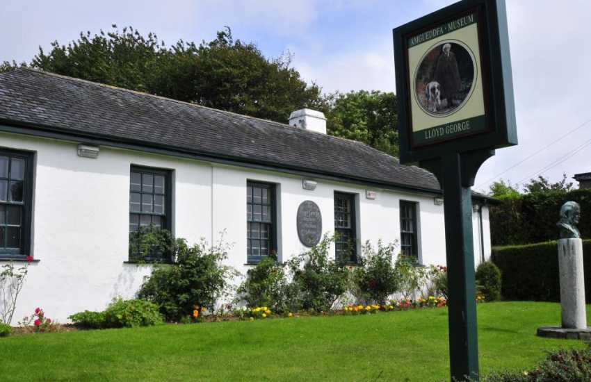 Do visit the David Lloyd George Museum in Llanstumdwy. You can see a film about his life and his boyhood home at Highgate, the astonishing 'talking head', and a Victorian schoolroom and library