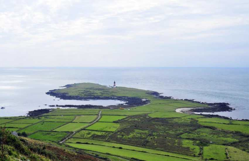 Bardsey has a rich archaeological, historical,spiritual and cultural heritage. Farming has long influenced the landscape and together with fishing, has contributed to the island economy for years.