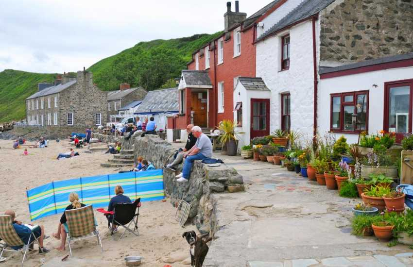 The Ty Coch Inn at Porthdinllaen provides an ideal spot for a rest and refreshments beside the sea