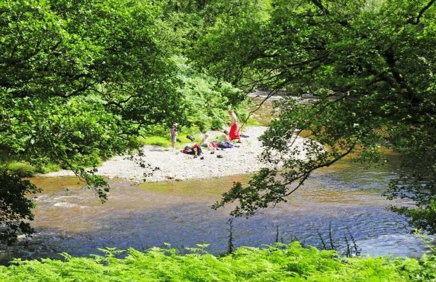 Abergwesyn picnics by the river