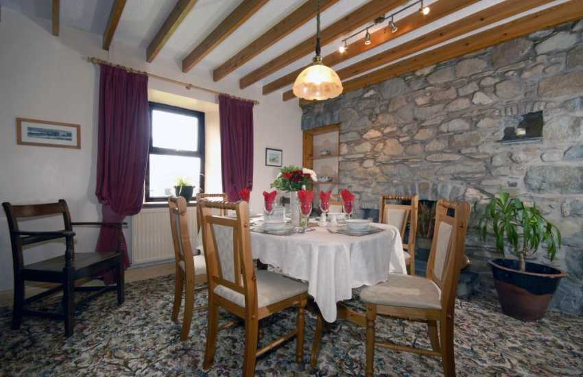 Self catering St Davids traditional farmhouse - dining area