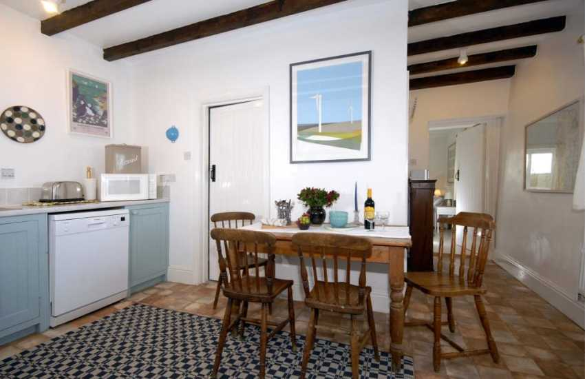 Self-catering Pembrokeshire - country kitchen/diner