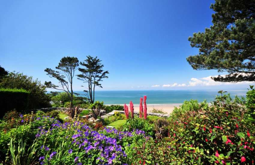Holiday house with sea views Harlech - gardens
