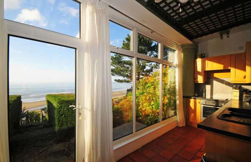 Snowdonia luxury holiday cottage close to beach