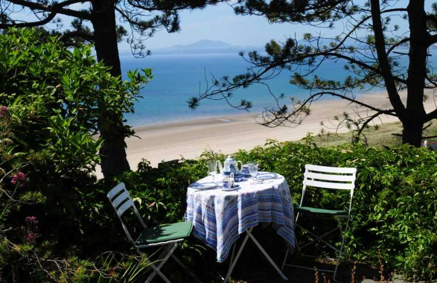 North Wales holiday cottage  - terrace