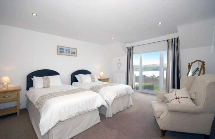 Poppit Sands holiday home - twin with en-suite