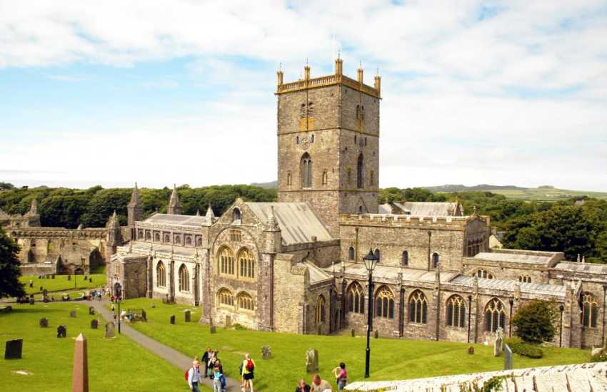 St Davids - Britain's smallest city with a magnificent cathedral, interesting little shops and a variety of places to eat