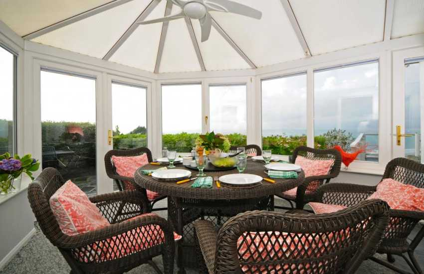 Snowdonia holiday cottage - conservatory