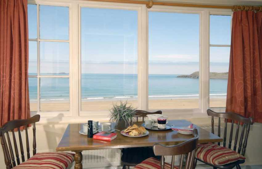 Whitesands Bay holiday home - sun room with panoramic sea views