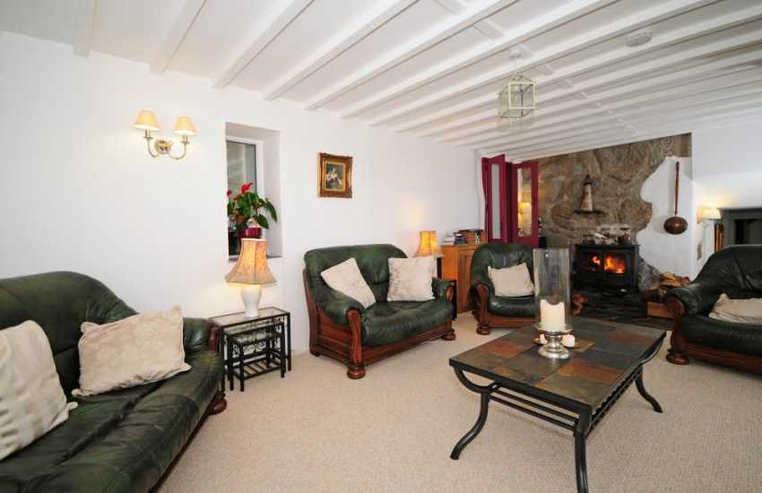 Aberdaron pet friendly holiday house  - sitting room