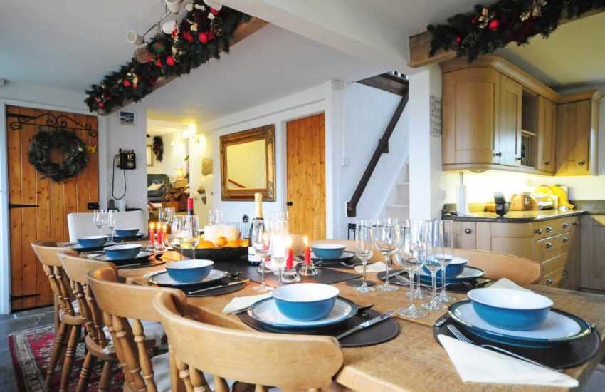 Pet friendly cottage Welsh coast - kitchen