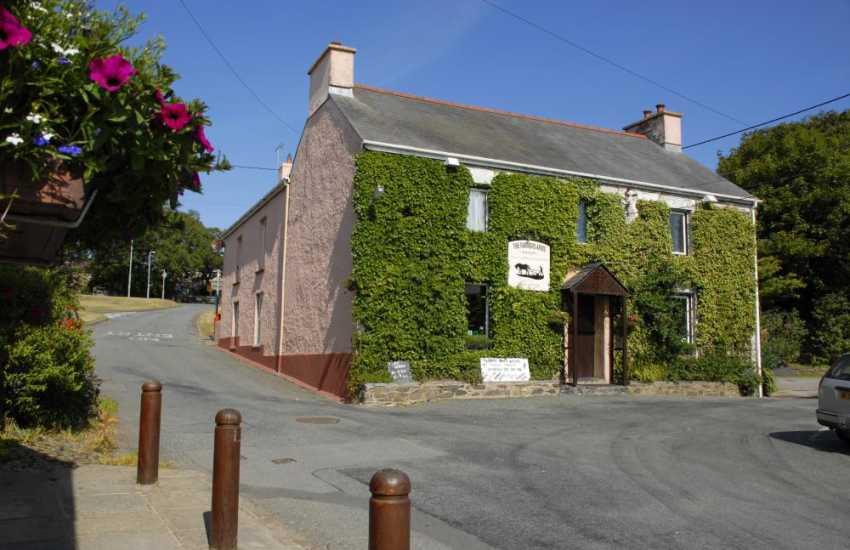 The Farmers Arms, Mathry - a traditional village pub with real ales, good food and only a stroll from Gilbert's Cottage