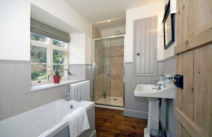 North Pembrokeshire holiday home - bath/shower room