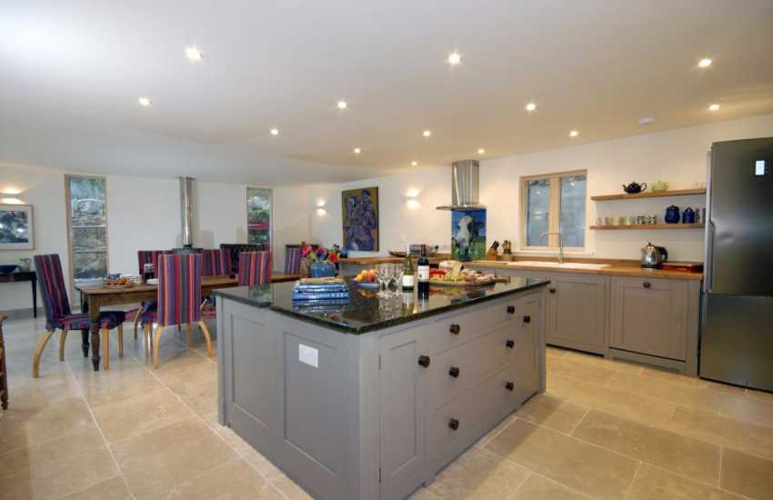 Self catering Pembrokeshire - luxury fitted kitchen open plan dining/living, under floor heating throughout