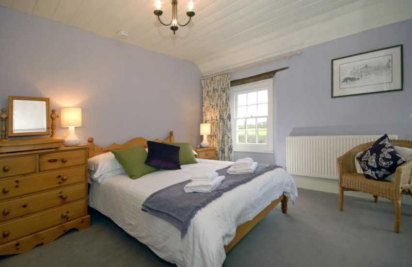 Grade II listed Pembrokeshire farmhouse - 2nd floor double