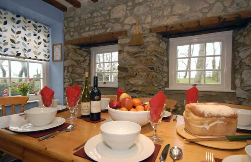 Welsh farmhouse near the coast for family holidays and get togethers