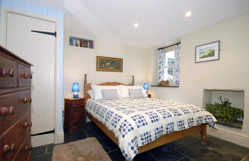 Pembrokeshire coast holiday house sleeps 9 - ground floor double