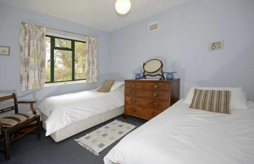 Pembrokeshire holiday accommodation sleeps 8 - twin