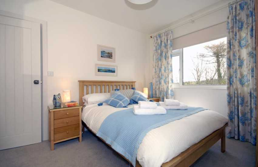 Pembrokeshire Holiday bungalow sleeps 6 - double