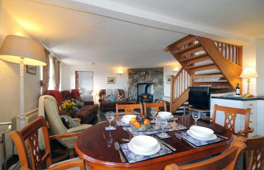 Holiday cottage North Wales - lounge-dining room