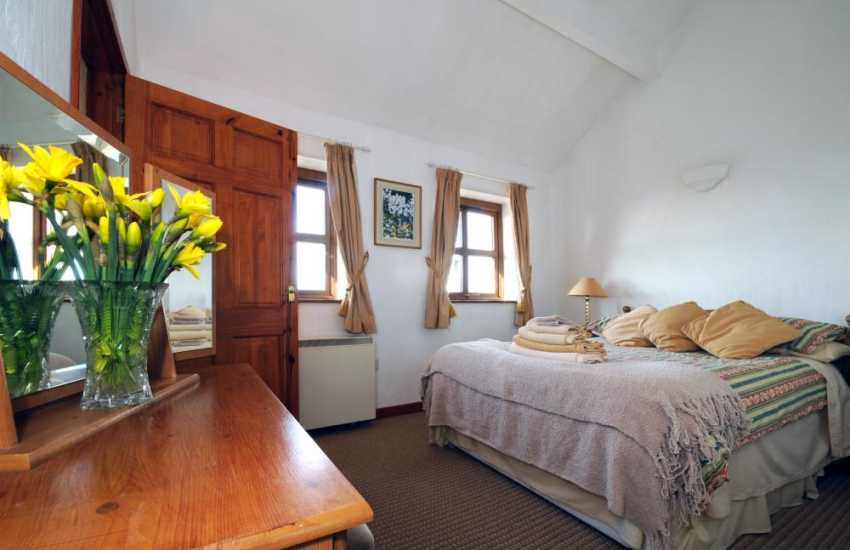 Caernarfon cottage - double bedroom ensuite