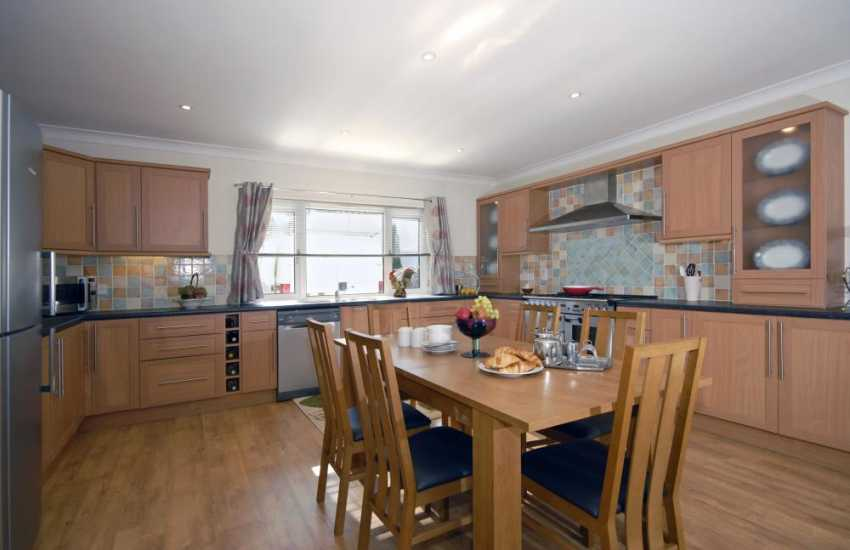 Luxury self-catering holiday house near Pembroke - modern kitchen with range cooker