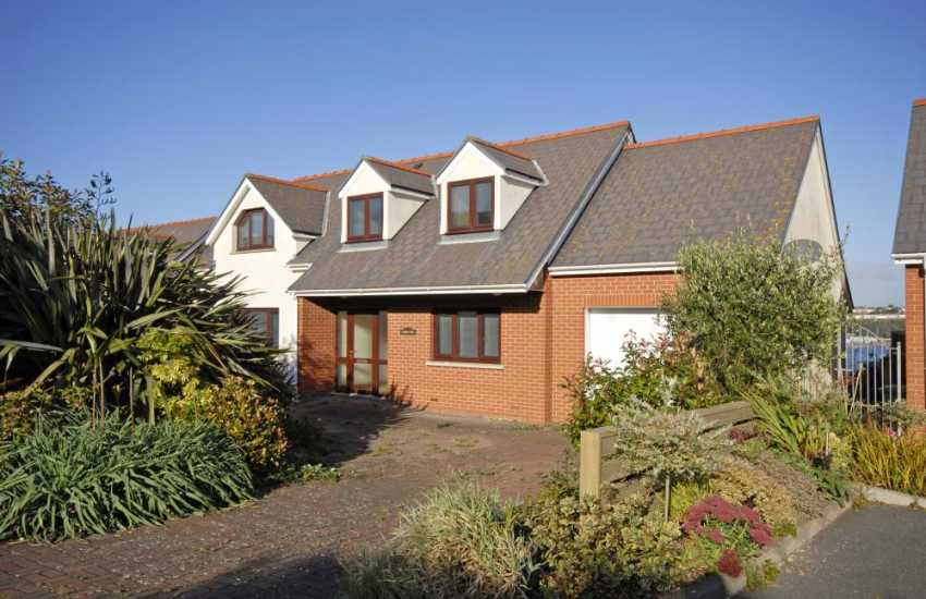Haven Waterway holiday home South Pembrokeshire - pets welcome