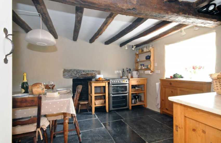 National Nature reserve cottage - kitchen