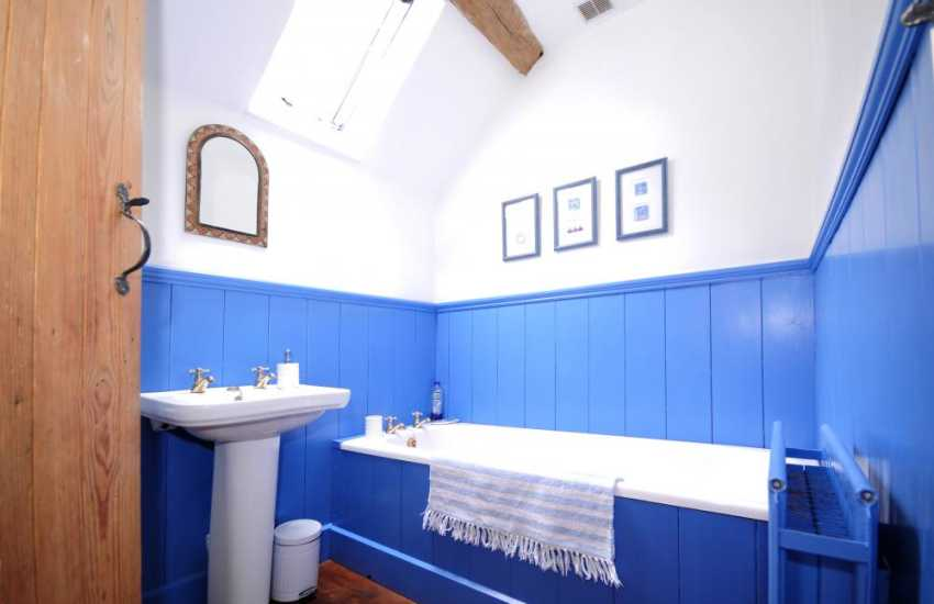 Welsh holiday cottage - bathroom