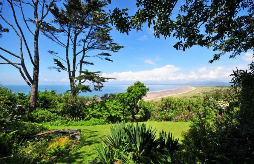 Luxury holiday house north Wales  - gardens