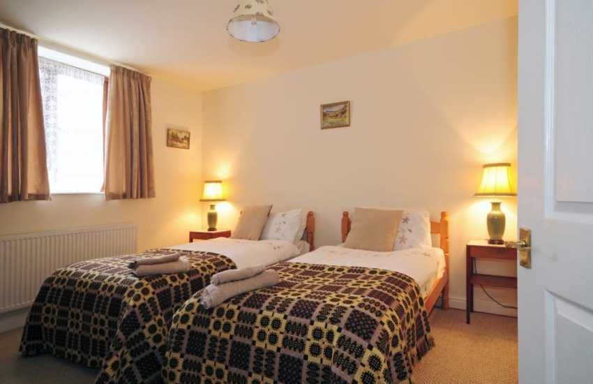 Twin bedroom of Dolgeddau holiday cottage