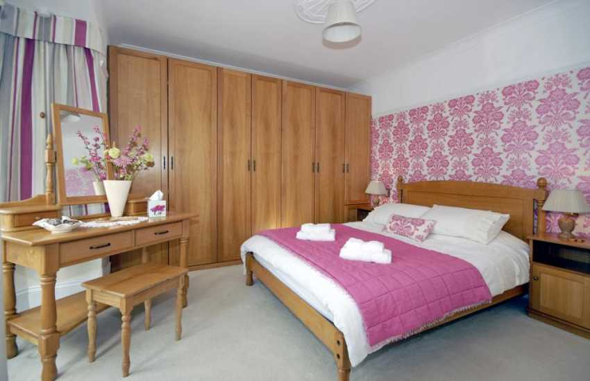 Pembrokeshire holiday home - double bedroom