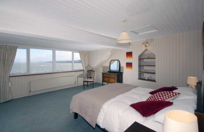 Holiday home New Quay -  master en-suite with stunning sea views