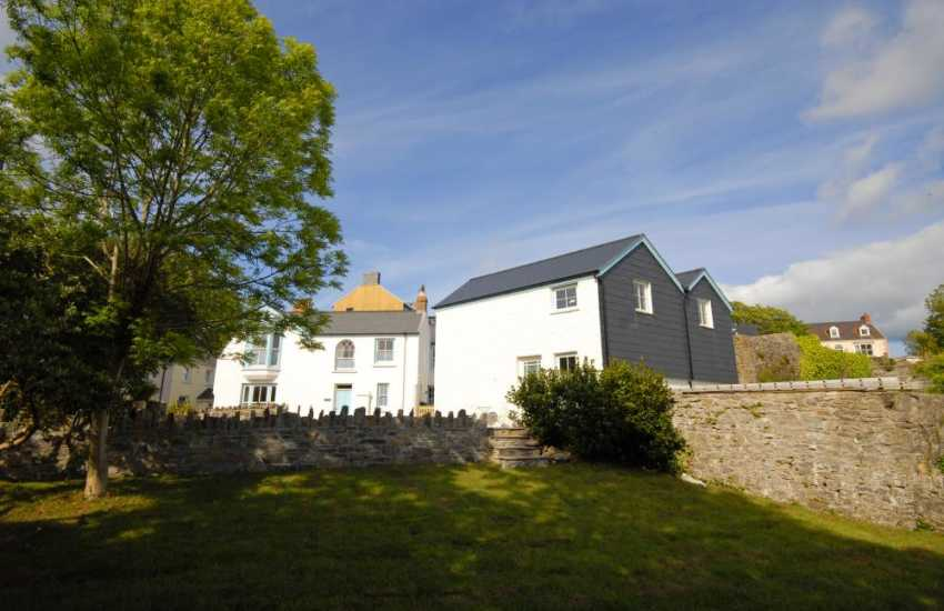 Manorbier holiday cottage sleeps 5 - no pets