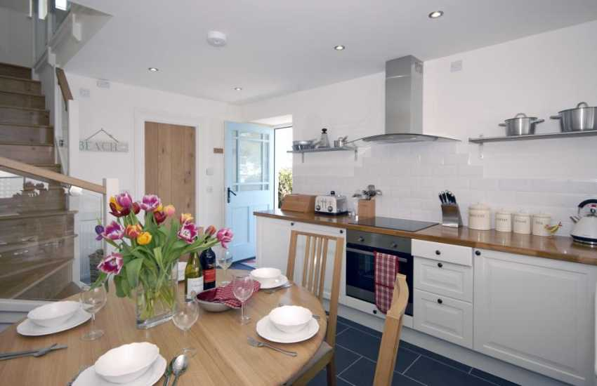 Manorbier self catering coach house - open plan kitchen/diner